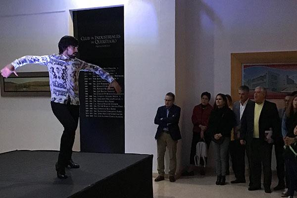 PRESENTACIÓN EN CLUB DE INDUSTRIALES